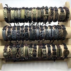 Bracelet en cuir Femmes bracelets à la mode Charm Punk rétro brouillard Couche fabriquée à la main Black Marrin Hommes Bijoux Flandre Bracelets Vintage pour accessoires en alliage Cadeau