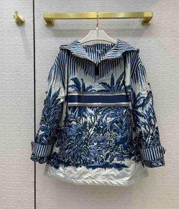 Мода Palm Tree Print Trench Куртка для женщин Роскошные синие полосатые пальто с капюшоном Праздничный стиль Свободные куртки
