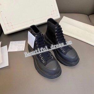 McQueen boots 2021 Stivali da uomo e da donna Dr. Stivali invernali Stivali inglesi Avvolgibile Show Show Stile Bianco e nero Casella di pizzo in vera pelle in bianco e nero