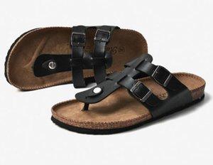 2022 Стильные сандалии для мужчин Летние Наружные прогулочные скольжения Модные пляжные Обувь Большой размер 35-45 Тапочки Мужские