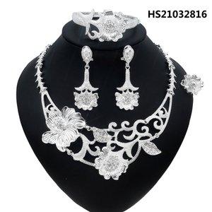 YuLaili Düğün Kristal Neckalce Küpe Bilezik Yüzük Çiçek Şekli Kadınlar Için Takı Setleri Dubai Gelin Mücevherat Seti 4 adet