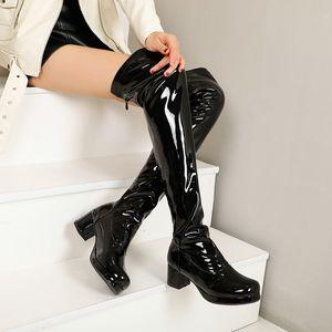 Sexy Mode Frauen Oberschenkel Hohe Stiefel Lackleder Plattform über den Kniestiefel Damen Süßigkeiten Farbe Dicke Mittelschuhe Schuhe Schwarz PW162