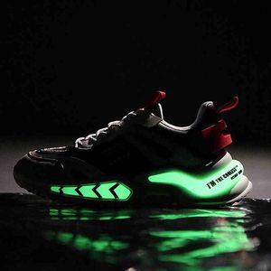 Модные флуоресцентные кроссовки мужчины Летние коренастые кроссовки Открытый дышащий спортивный обувь сетки для прогулок Zapatillas Hombre