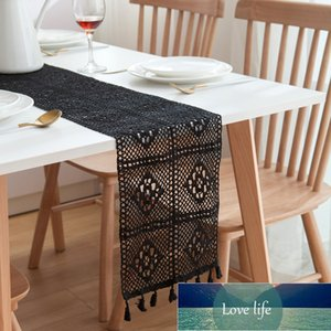Vintage Lace Crocheted Hollow Wedding Table Runner Tassel Edges Tablecloth Nordic Romance Table Cover Coffee Bed Runners
