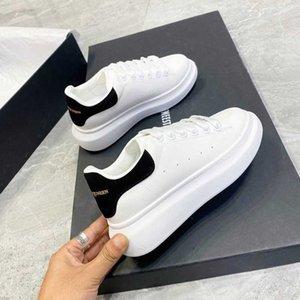 Skateboard Shoes Men Pring Brand Spring Designer Wedges White Sneakers Platform Tenis Feminino Trainers Mcqueens Male Walking Y0907
