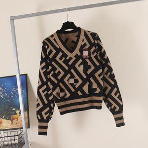 Double F Письмо Пуловерный свитер D Женская с длинным рукавом V-образным вырезом Высокая талия Краткий стиль Темперамент Тонкий и тонкий цвет Соответствующий свитер