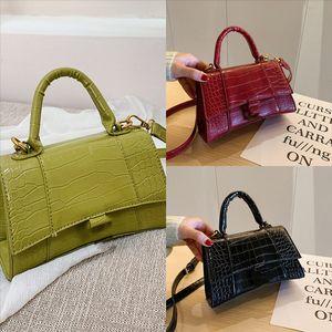 VS004 Kadın Tasarımcı Çantaları Çanta Çanta Moda Omuz Çantası Çanta Çanta Bayan Alışveriş Çanta Çanta Dener Lüks Naylon Ekose Çanta Göğüs