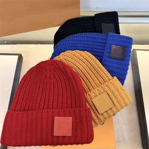 Fashion beanie unisex knitted hat Plaid Letters Casual Skull Caps sports skulls hats ladies casuals outdoor high-quality