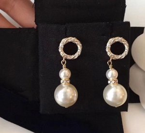 Moda Dangles Designer Ciondolo Gold Diamante Orecchini Coppia Regali di fidanzamento Gioielli Bride Signore Party Wedding Lover