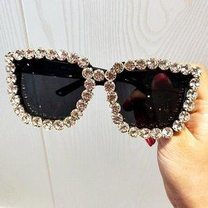 Vintage Rhinestone Sunglasses Women Big Square Eyewear Female Crystal Charm Oversized Brand Designer UV400 Goggle Travel