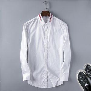 Designers Hommes Robe Shirts Fashion Chemise Casual Chemise Hommes Ts Spring Slim Gold Chintz Silk La couleur Noir et WhitetTher Blanc