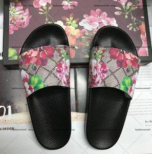 Kadın Moda Tasarımcılar Düz Slaytlar Flip Flop Erkekler Sandalet Ayakkabı Terlik Inci Baskı Yaz Geniş Lady Pantoufle Kutusu ile Toz Çanta 35-46