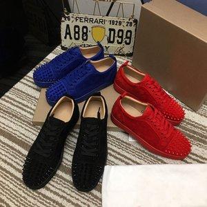 2021 Yüksek Kalite Kırmızı Alt Rahat Ayakkabılar Tasarımcılar Marka Perçin Sneakers Erkek Bayan Çift Eğitmenler Spikes Süet Düz Stilist Ayakkabı
