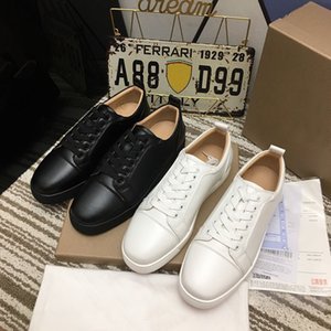 2021 neue rote untere Schuhe mit Nieten Spikes Sneakers Herren Echt Nieten Lederturnschuhe Partei Fashion Party Winter-Freizeitschuhe Lederturnschuhe