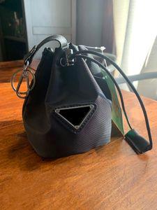 Женские брелок с письмом Сgagge Small Bag Длинные цепочки Сумки Messenger Drawstring Классическая сумка Ведро талии Плечо Брелок