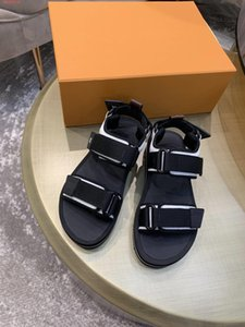 Frauen 2021 Leder Hausschuhe Flache Sandale Arcade Mode Brief Blume Gedruckt Leinwand Gurt Hakenschleife Micro Outsohle Bequeme Dame Slide