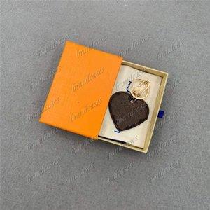 Fashion Designer keychain Handmade PU leather heart pattern Car Keychains Bag Charm Hanging decoration Pendant Accessories damier graphite