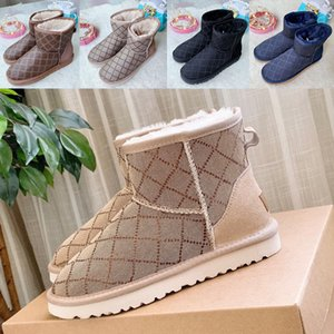 2021 designers Classics Winter Snow boots Real Fur Slides Leather Waterproof Warm flat girls Boot mini Fashion booties With Box