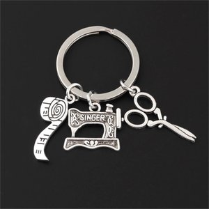 Keychains 1Pc Sewing machine Shear Meatlint Hanger Key pendant Sewer declaration Poison Finding Jewelry Accessories E2588