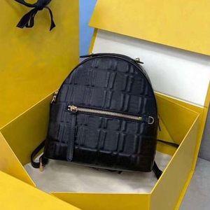 22 cm mochila de couro cheio de couro em relevo letras de escola temperamento de ombro bolsa de ombro back pack com f letras bolsa 2358