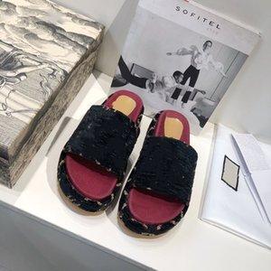 Kadın Kürklü Terlik Kabartmak Mektup Moda Rahat Ayakkabılar Çizmeler Moda Lüks Erkekler Sandalet Kürk Slaytlar KUTUSU NN0413 Ile Terlik