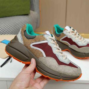 Design Rhyton Sneakers Beige Men Trainers Vintage Luxury Chaussures Ladies Shoes Designer with box