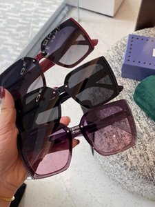 Sunglasses Resin polarized lenses, block harmful light and prevent radiation, travel with clothing must be used,23 you can also use it when driving. Leading the fashion