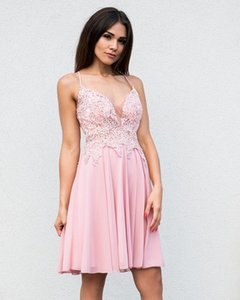 Charming Women Short Prom Dress with Lace Appliques Spaghetti Straps V-neck A-line Party Dresses Custom Made