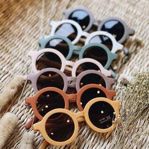 Аксессуары для волос 2021 Детские Солнцезащитные Очки Ретро Сплошное Цвет Ультрафиолето-Круглые Очки Очки для детей