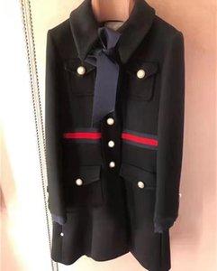 Vintage Schwarz / Weiß Lange Frauenmäntel Designer Bow Große Brief Knöpfe Frauen Wollmantel Plus Größe Coatsoutwear 82007