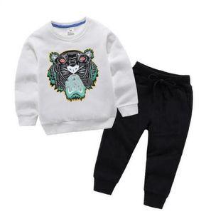 2021 Abbigliamento Set Designer Vestiti del bambino Ragazzini Felpa Girl Felpa A due pezzi Modo Pantaloni maglione pullover Modo Pantaloni Primavera e autunno 2-8 anni