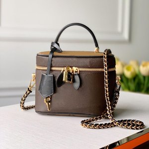 Fashion ladies cosmetic bag Classic poker pattern woman makeup box leather chain messenger wrap shoulder bags M45165 elegant and practical