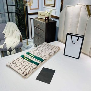 High Quality Home Blanket Multifunctional Fashion throw All Seasons Unisex Travel shawl quilt