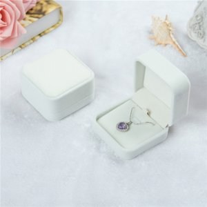 XVN7 flannel packaging boxes jewelry flannel fashion necklace pendant pendant jewelry boxes
