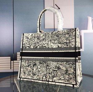 كبيرة الحجم اليدوية التطريز نمط حقيبة تسوق حقيبة السيدات سعة كبيرة حقائب باريس أعلى جودة حقيبة يد الأزياء الرجعية النمط العرقي قماش