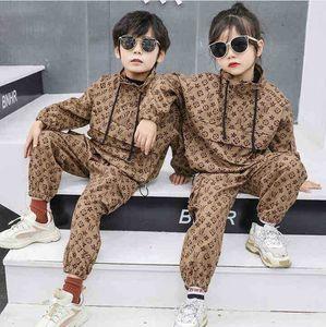 New Boy Primavera Autunno Vestito 2021 Ragazzi Ragazze Moda Moda Vestita Britannica Stile Britannico Giacca da balzo da due pezzi + Pantaloni Abbigliamento congelato Abbigliamento per bambini Abbigliamento