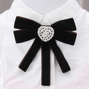 Pins, Brooches Women Dual-use Combination Velvet Ribbon Shiny Rhinestone Hollow Out Silver Color Heart Brooch Collar Lapel Pin Assembly Cors