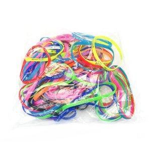 5 adet / Floresan Renk Moda Hareketi Mektup Bilezikler Aydınlık Silikon Elastik Kauçuk Saç Bandı Takı Boncuklu, Teller