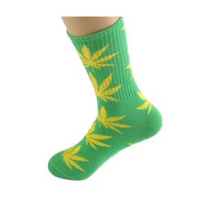 35 HIPHOP FY7301 Yaprak Çorap Erkekler Kadınlar Için Yüksek Kaykay PlantLife Çorap Pamuk Renkler Noel Akçaağaç Spor Toptan Kalite SWRXJ