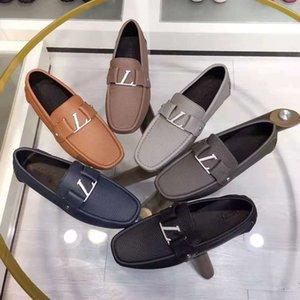 Yüksek Kaliteli Erkekler Elbise Ayakkabı Rahat Düz Loafer'lar Moda Tasarımcısı Metal Toka Loafer Klasik Sürüş Ayakkabı