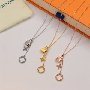 Lock Pendant Necklaces Classic Fashion Necklace Couple Jewelry European American Personalized Flower Pendants Special Design Accessories