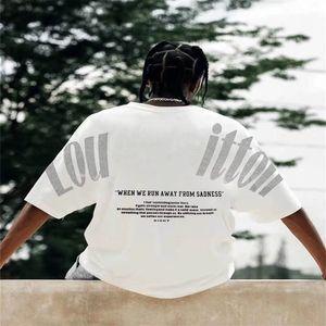 Camiseta de gran tamaño para hombres Diseñador de mujeres hace ropa de pareja de verano de manga corta suelta