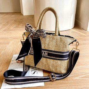 Luxury Design Handmade Straw Woven Handbag Shopping Basket For Women Fashion Bag Embroidery Messenger Pack Bucket Tote Bags Lady