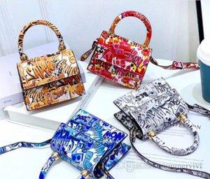 Lady style children handbags girls colorful letter printed single shoulder bag kids square PU leather messenger bags women mini purse Q1905