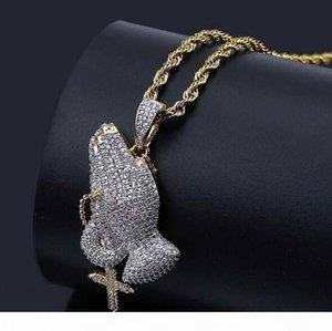 Herren Retro Kreuz Beten Hände Anhänger Halskette Luxus Euro ausgegangen Kubikzirkonia Micro Pave Simulated Diamonds Anhänger mit Geschenkbox 18K Gold