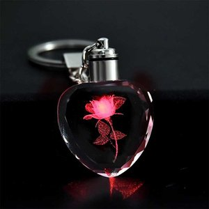 패션 다채로운 요정 장미 꽃 패턴 사랑 모양 매력 크리스탈 라인 석 LED 조명 키 체인 애호가 키 체인 열쇠 고리 보석