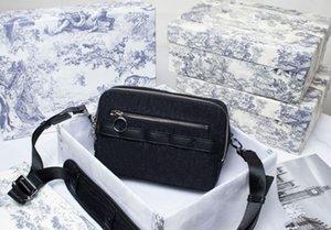 D messenger bag camera Handbags exquisite shape, this charming handbag has sharp edges and corners