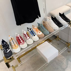 رائعة الفاخرة عارضة أحذية مريحة اتصال شبكة بيضاء فتاة جميلة النساء وشاح جلد أسود أبي حذاء المرأة chaussures الدانتيل مدرب