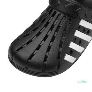 New Sandals Mens Crocks Summer Non-Slip Hole Shoes Clogs EVA Garden Male Outside Beach Flat Slippers