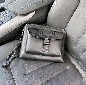 Large capacity men's briefcase 2021 business travel luxury handbag body leisure atmosphere designer multifunctional wallet price discount factory direct sales